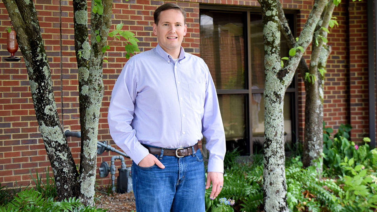 Photo of Grady Smith, Auburn Animal Sciences Almna, outside