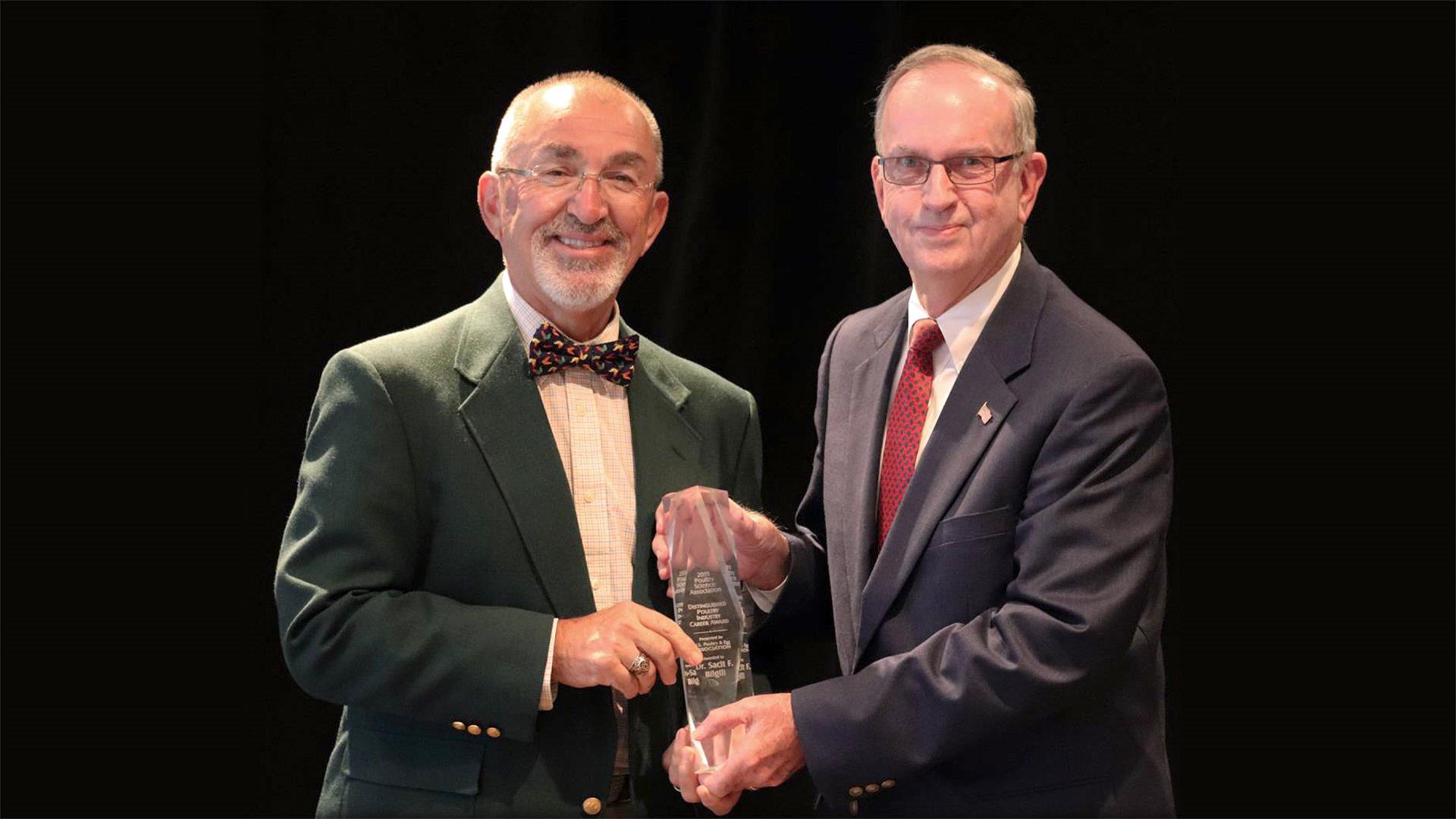 "Sacit ""Sarge"" Bilgili accepts Poultry Industry Career Award"