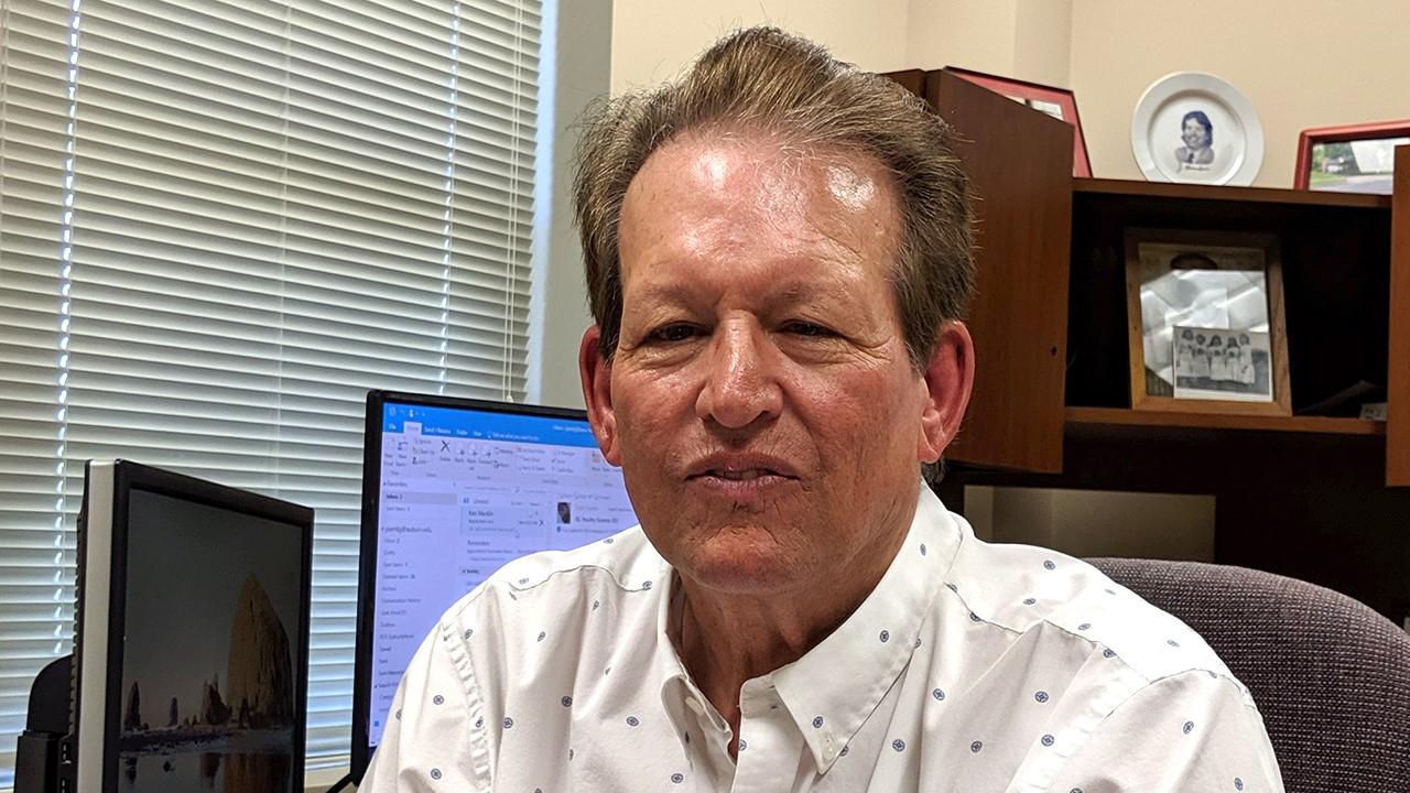 Photo of Joe Giambrone, avian pathologist and Auburn Poultry Science professor emeritus.