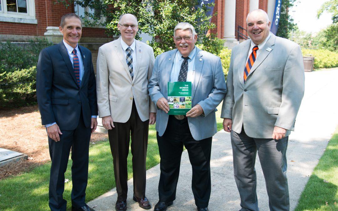 College of Ag alumni professor co-authors book examining tall fescue