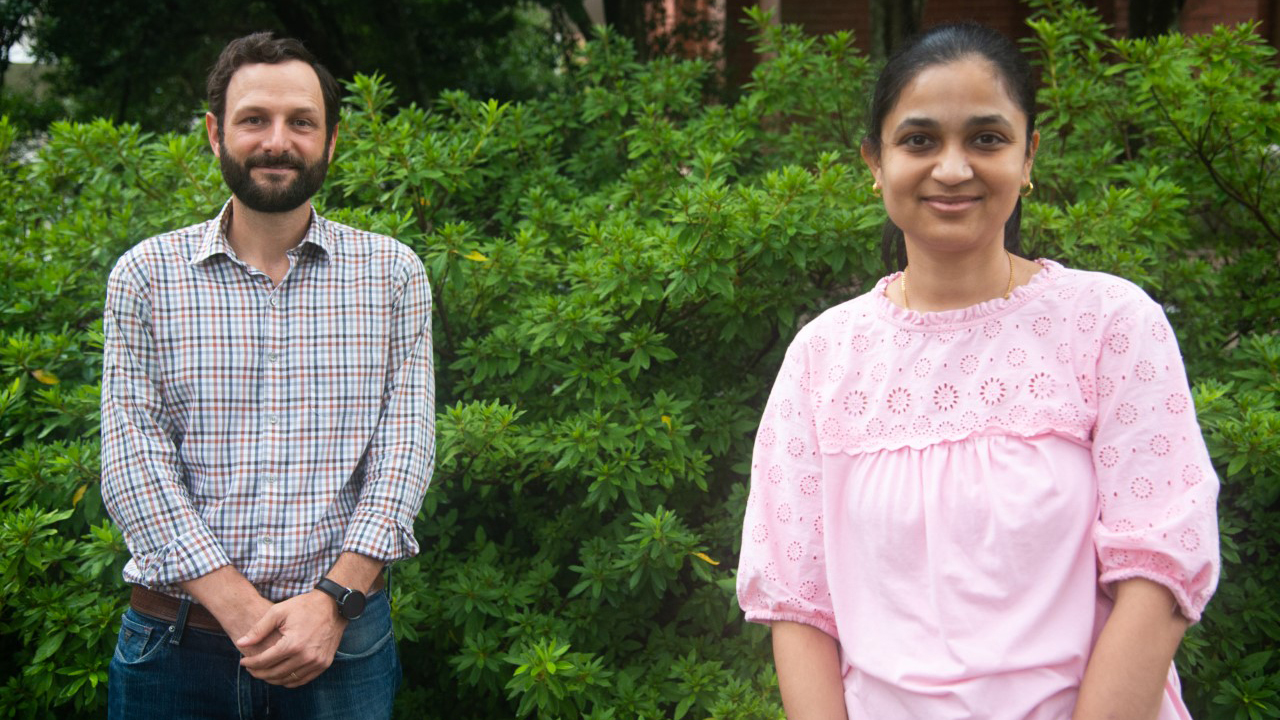 Paul Dyce, left, & Neha Potnis, right, Auburn University Researchers, College of Agriculture, Foundation for Food & Ag Research New Innovator Award