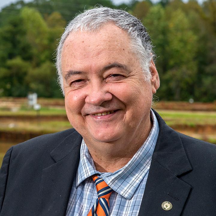 Rex-Dunham-formal-headshot-photo-Auburn-Fisheries