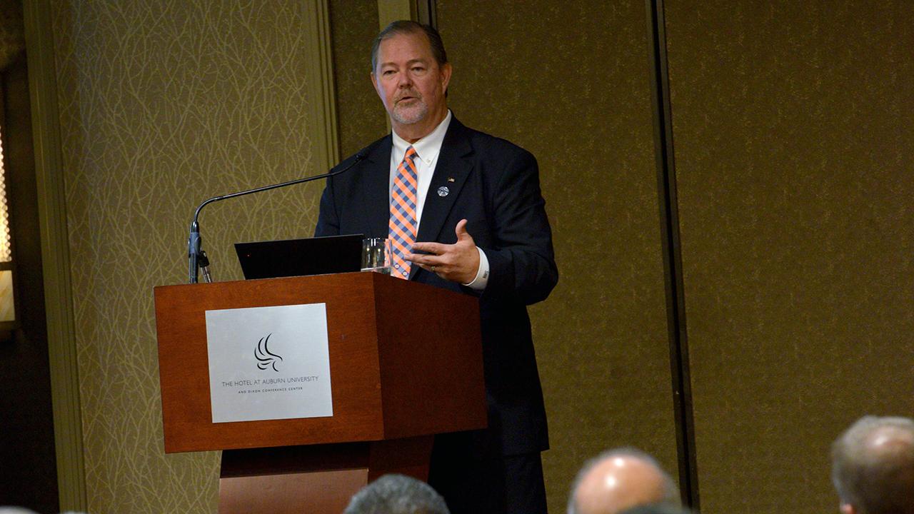 Scott-Hutchins-US-Dept-Agriculture-Deputy-Undersecretary-ET-York-Distinguished-Lecturer-Series-20190925-4016