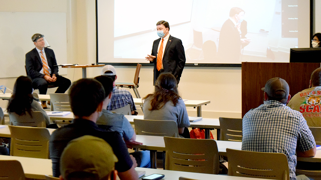 Congressman Mike Rogers, who represents Alabama in the U.S. House of Representatives, spoke to students in the Agricultural Law class, October 22, 2020