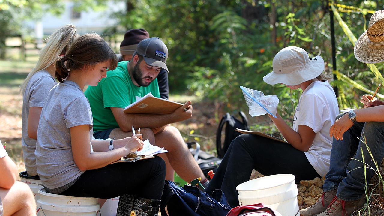 Auburn-Students-Crop-Soil-Judging-Team-Sciences-Major-Degree-Option-Dirt