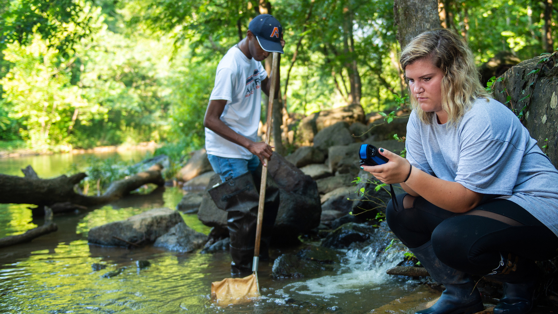 Auburn-Students-Water-Resource-Research-Testing-Stream-River-in-Forest-Woods