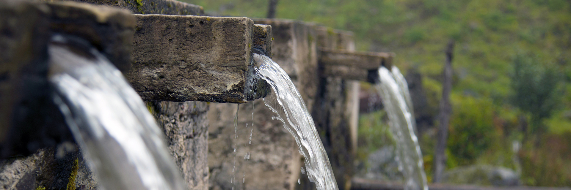 Water-Filtering-Flowing-Spouts-Natural-Spring-Ecological-Biosystems-Engineering-sm